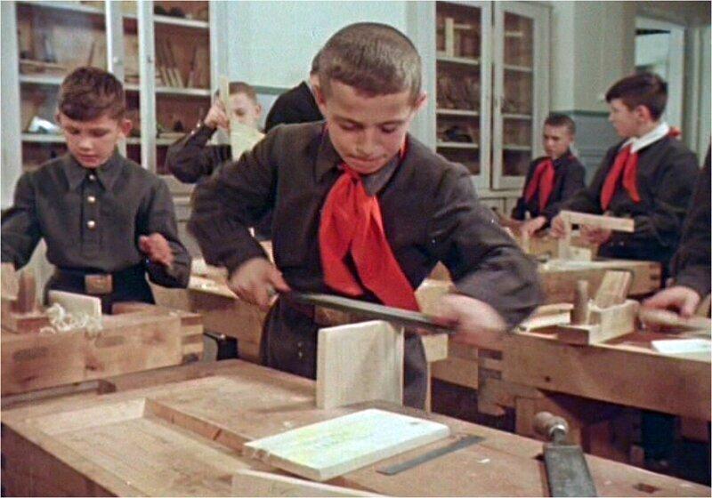 Уроки труда в советской школе