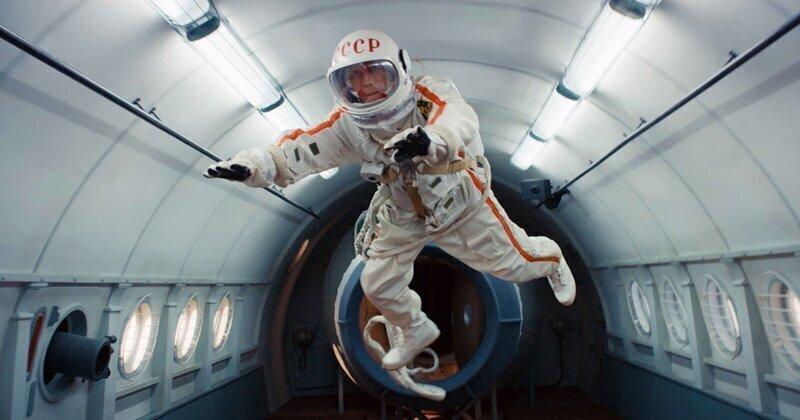 10 фантастических и основанных на реальных событиях картин про космос