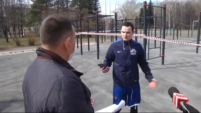 """""""Народ в ах*e, а вы тут клоунаду устроили"""": житель Новокузнецка матом ответил на просьбу мэра"""