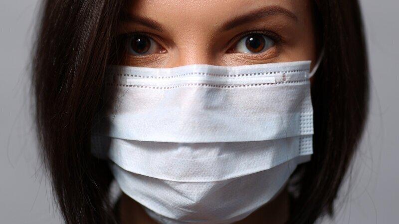 Почему в России подорожали медицинские маски?