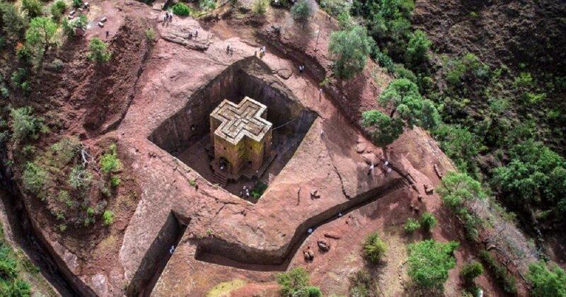 Эфиопская церковь из цельной скалы поражает воображение