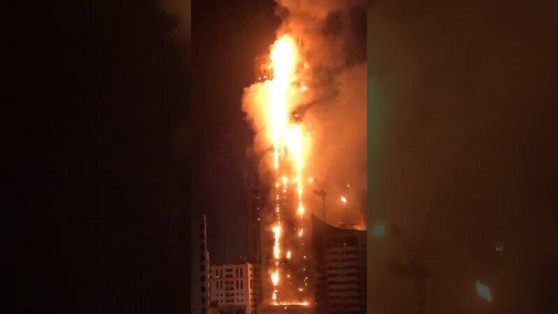 Плохие новости 2020: в ОАЭ горит небоскреб