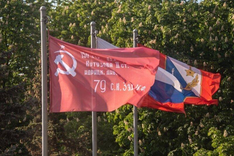 В российском Крыму, в городе русской славы — Севастополе, прошёл воздушный парад Победы (видео)