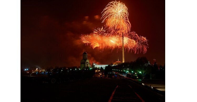 В Москве отгремел салют Победы (видео)