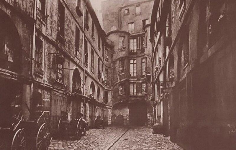 Уличный фотограф XIX века сохранил для нас старый Париж