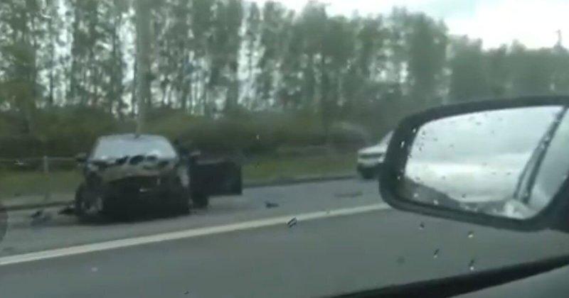 Авария дня. Девушка вылетела из салона своей машины