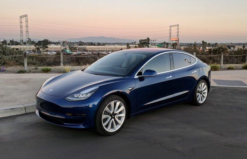 Владелец электромобиля Tesla предотвратил угон с помощью смартфона