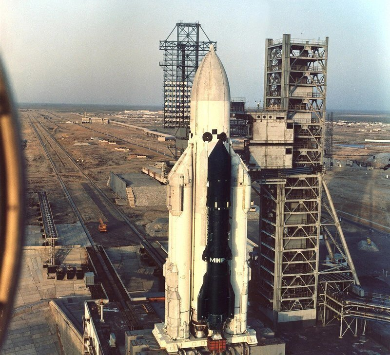 15 мая 1987 года состоялся первый пуск РН «Энергия»
