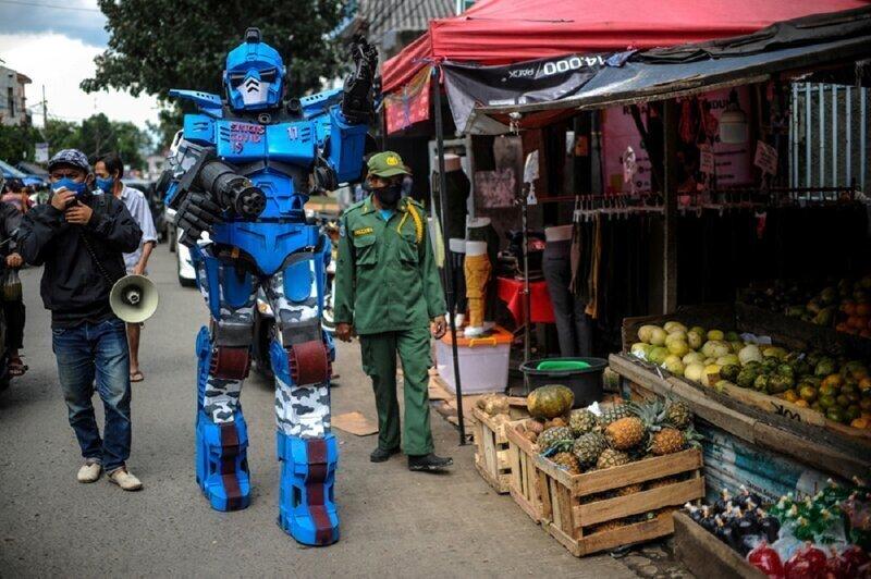 Супергерои помогают Индонезии бороться с коронавирусом