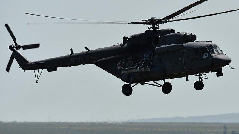 Военный вертолет совершил жесткую посадку в Подмосковье