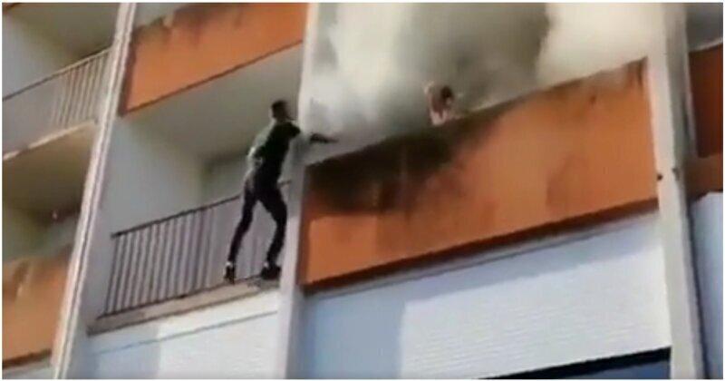 Спасение дедушки из охваченной огнем квартиры