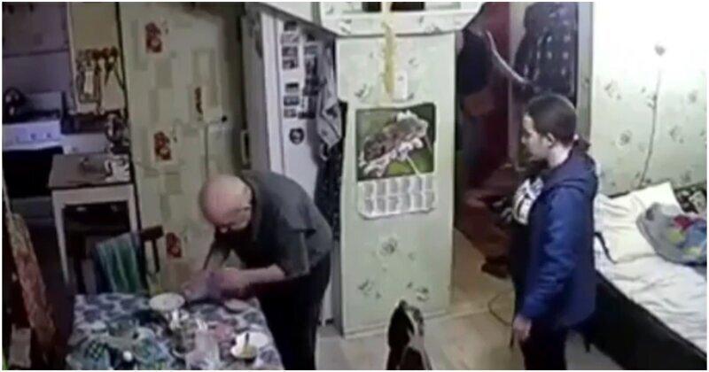 В Татарстане студентки обокрали доверчивого дедушку
