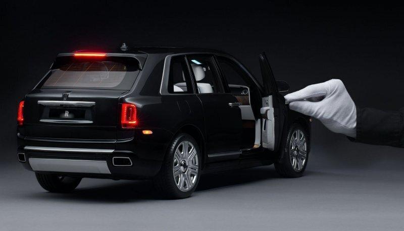 Идеальная модель Rolls-Royce Cullinan в масштабе 1:8, создание которой занимает 450 часов
