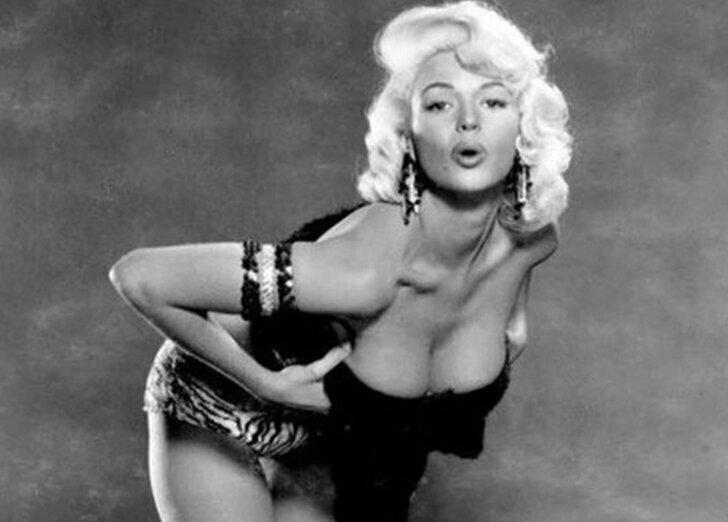 Мэрилин Монро отлично получилась на этих снимках... только ее там не было