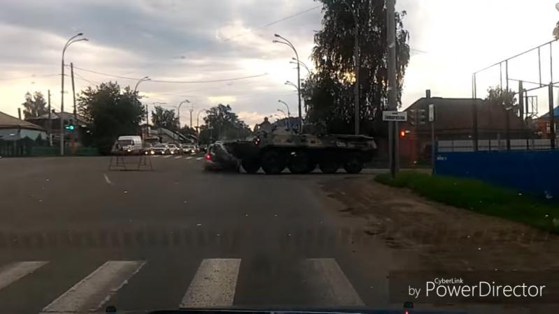 Житель Кузбасса отсудил у Росгвардии полмиллиона рублей за аварию с БТР