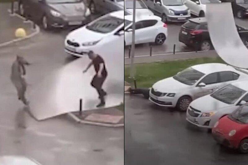 В Екатеринбурге мужчину подбросило и ударило сорванной с паркинга крышей