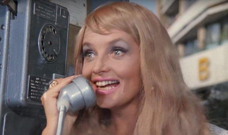 Как появилось слово «Алло», и что говорят, принимая телефонный звонок в других странах