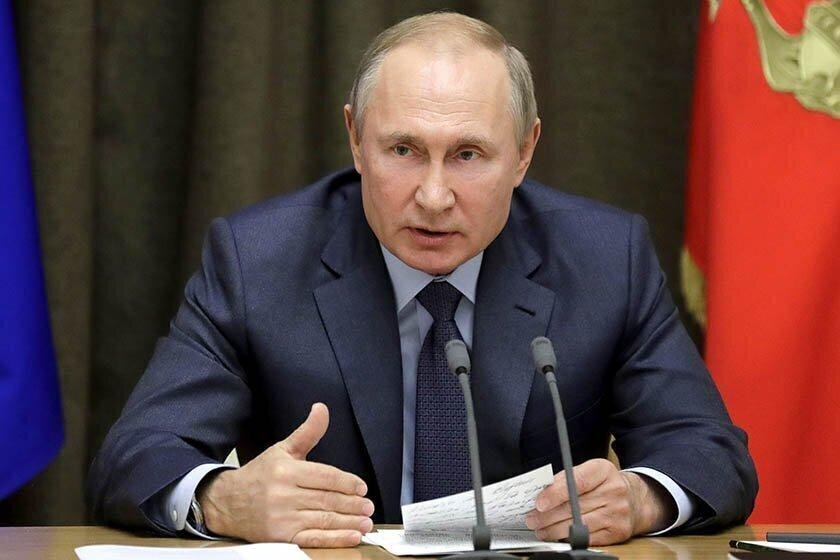 Путин одобрил инициативу об увеличении пособия по безработице втрое: видео