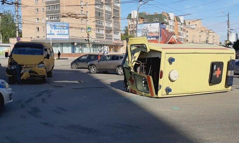 Авария дня. ДТП с участием скорой помощи в Рязани