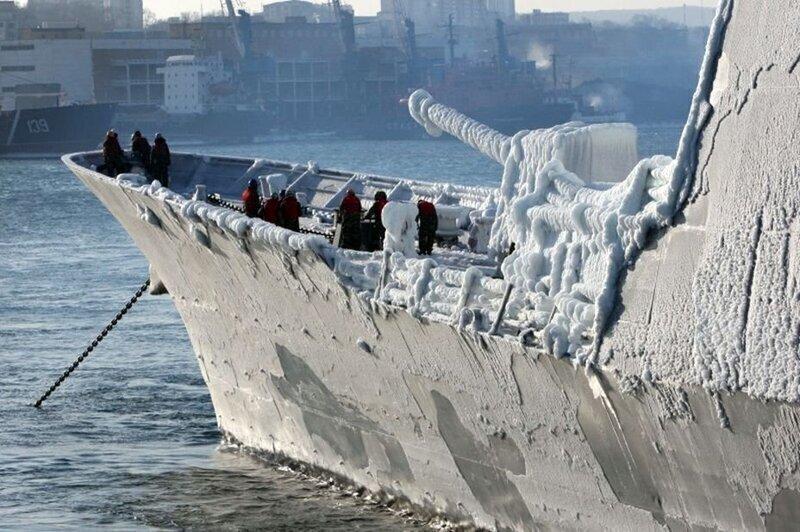 """Эсминец США """"Дональд Кук"""" замерз на ученьях в Баранцевом море"""