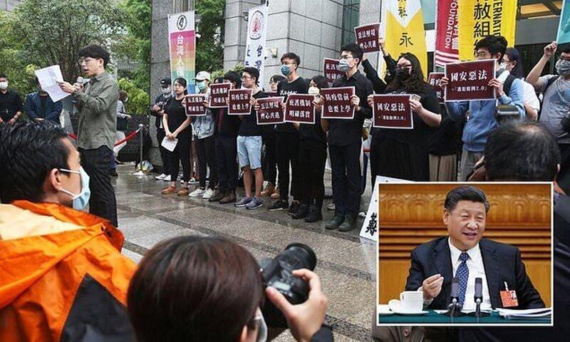 """Китай угрожает напасть на Тайвань """"в случае сепаратистского заговора"""""""