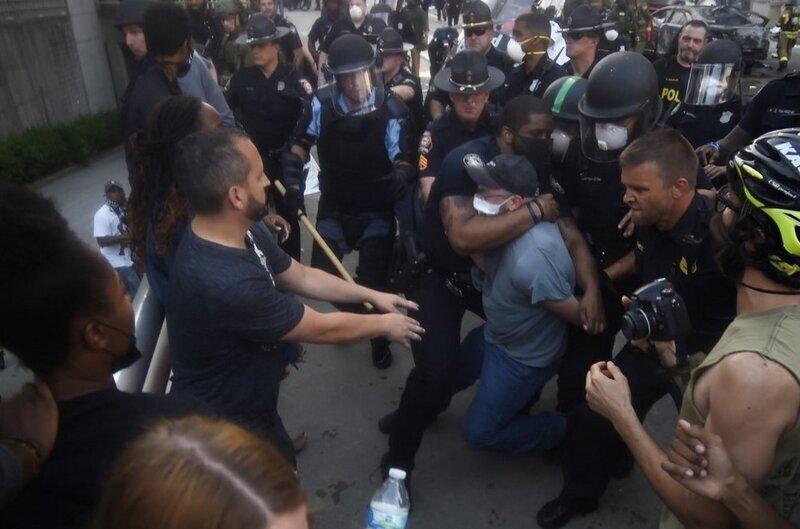 Навальный и его сторонники вновь демонстрируют свое двуличие