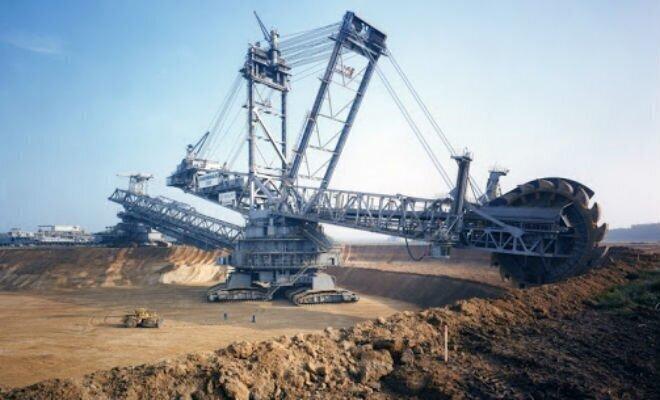 5 мегамашин-гигантов: сносит здание одним движением