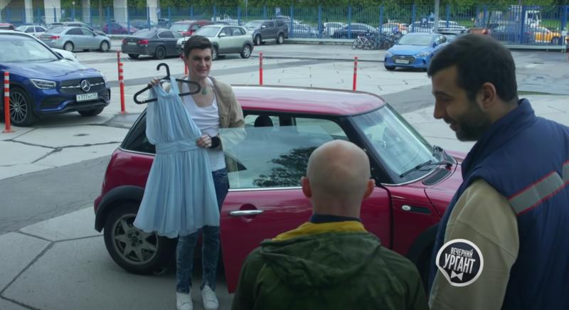 Ургант и Гудков представили свою версию скандального ролика о геях-усыновителях