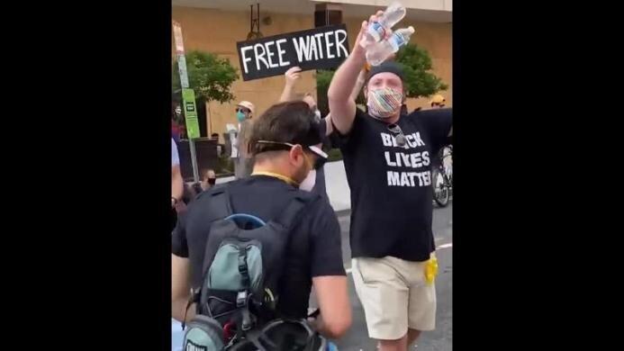 Просто какая-то бойня на протестах BLM