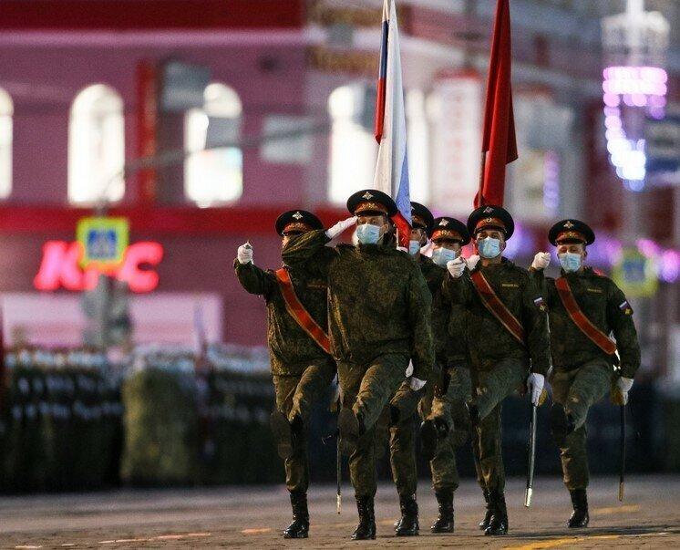 В Москве и Санкт-Петербурге полным ходом идет подготовка к параду Победы