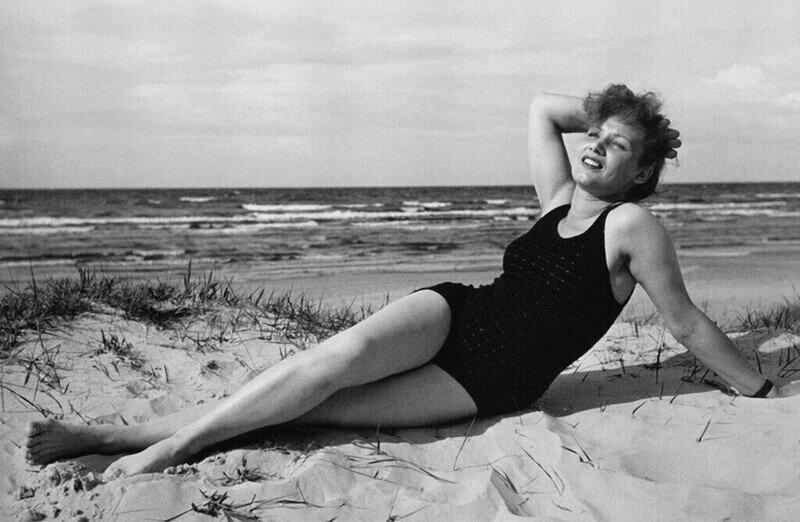 Полураздетый СССР: фото женских купальников с 1920-е по 1980-е годы