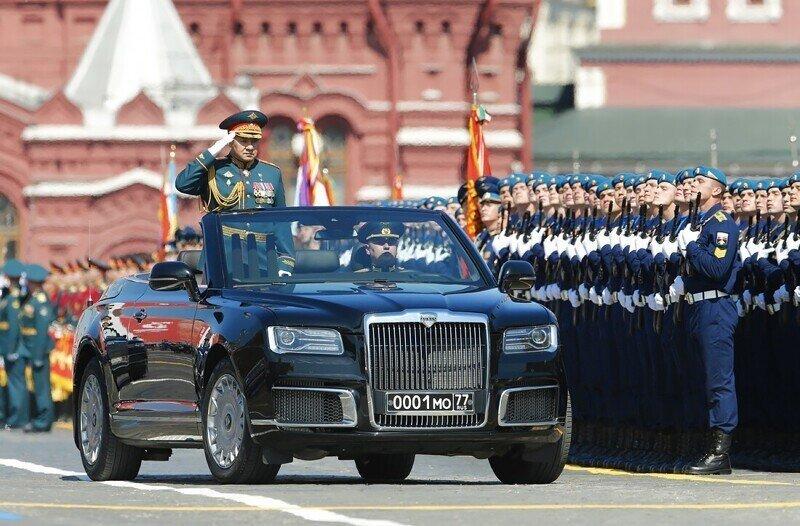 Британские борцы с расизмом посходили с ума, докопавшись до парада Победы в Москве