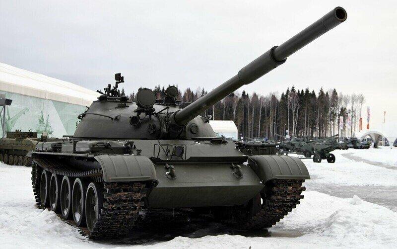 Советский Танк Т-62 - легендарная смена танку Т-55! Грозный танк времен разгара холодной войны!