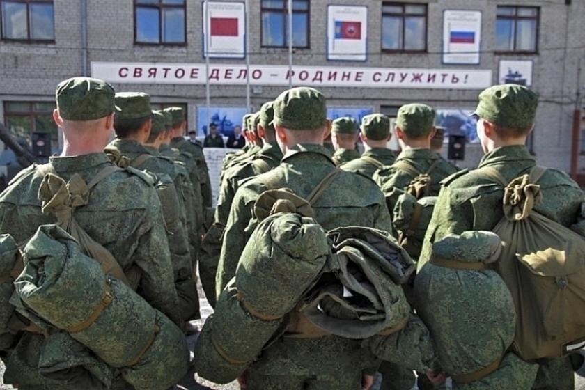Владимир Путин объявил призыв запасников на военные сборы