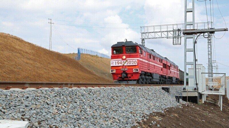 Долгожданное грузовое ж\д сообщение открыто по Крымскому мосту