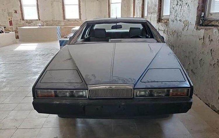 Очень редкий Aston Martin Lagonda, принадлежавший наркоторговцу, простоял больше 20 лет