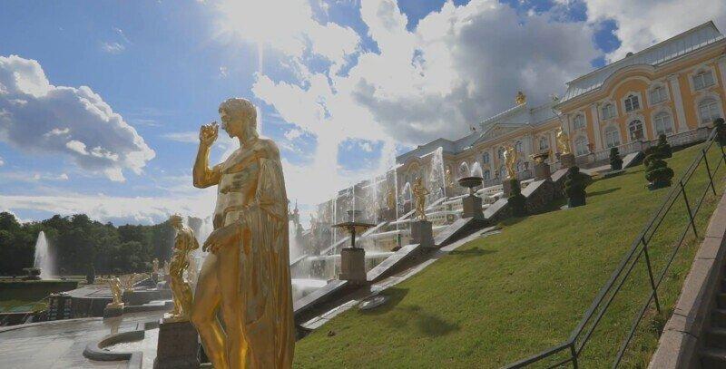 В имперском блеске: Петергоф открылся после пандемии