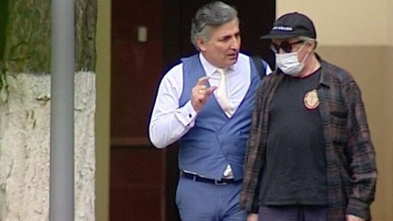 Адвокат Ефремова: за рулём мог быть другой