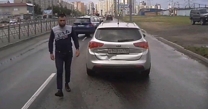 Дорожный учитель пытался преподать урок водителю маршрутки