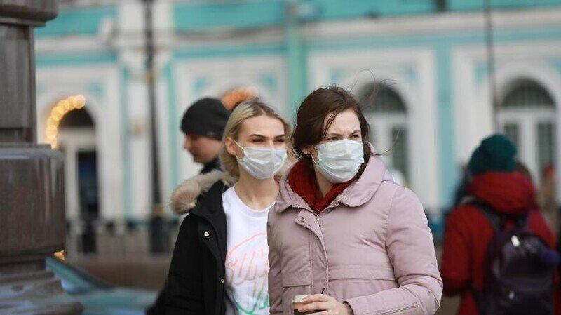 Продолжайте пользоваться СИЗ: коронавирус в Питере отступает, но нужно быть осторожным
