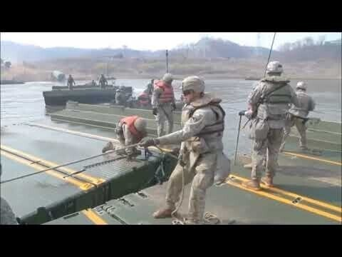 Танк М1А2 Sep V2 ABRAMS форсирует реку