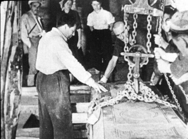 Потревоженные останки «Железного Хромца»