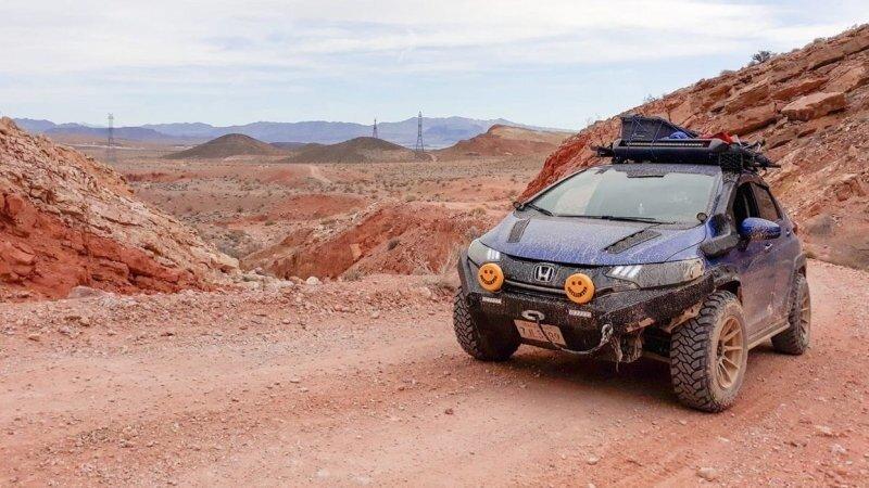 Маленький хэтчбек Honda превратили во внедорожник для исследования шахт