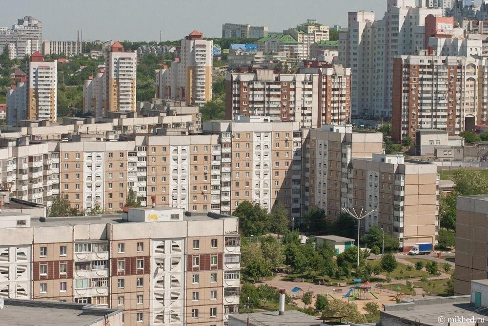 «Шумели и заливали соседей»: в Белгороде выселили из квартиры мать двоих детей через суд