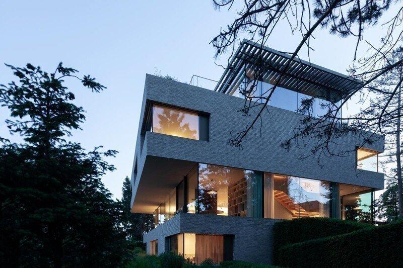 Пятиэтажный дом в Праге