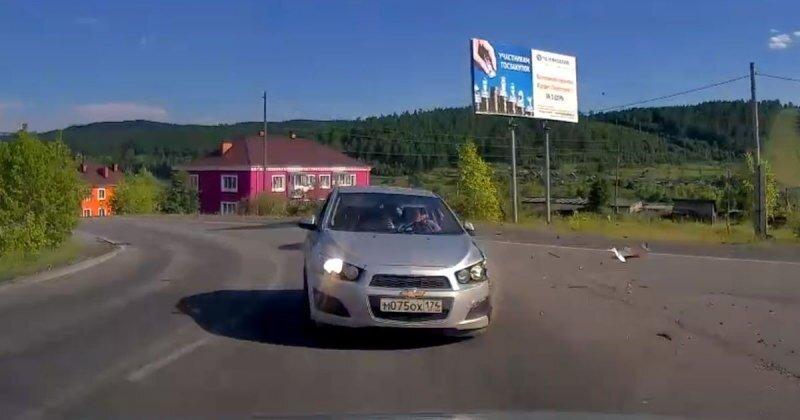 Водитель Chevrolet не вписался в поворот в Челябинской области