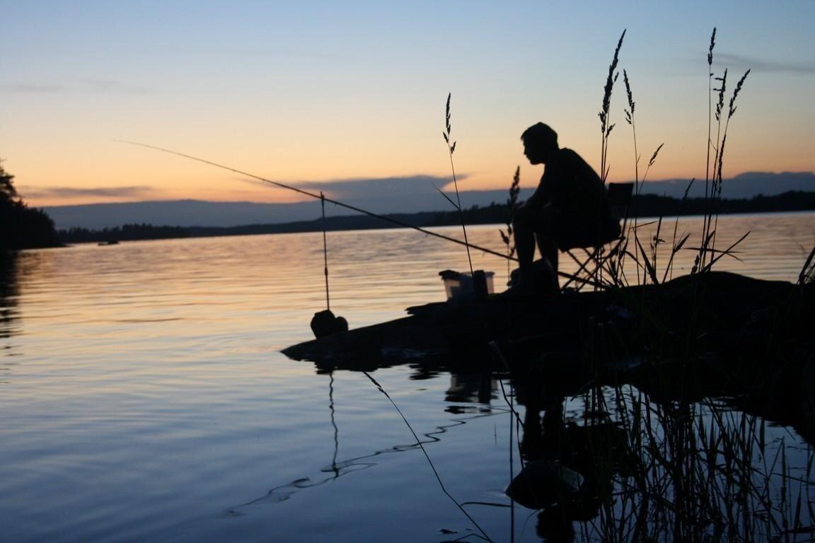 Рыбаку на крючок попался пропавший без вести сосед в мешке