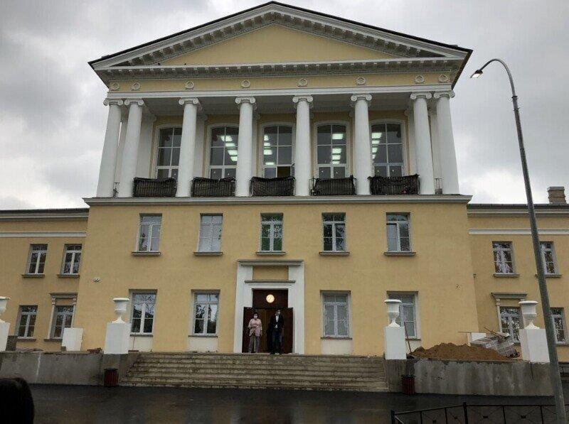 Доверяй, но проверяй! Беглов проинспектировал реконструкцию школы в Красносельском районе