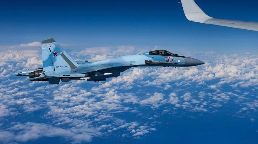 Российский Су-27 над Чёрным морем перехватил ещё одного любопытного американца
