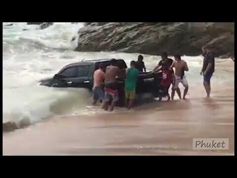 Как утопить и спасти пикап на пляже